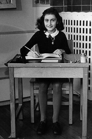 Anne-Frank-school-desk-Netherlands-photo-album-1940
