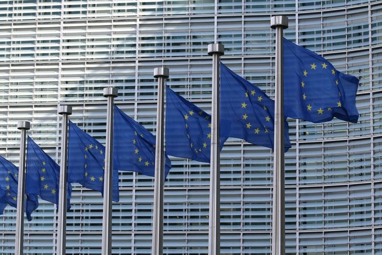 Europa: cuatro niveles para alcanzar una Inteligencia Artificial confiable
