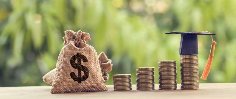 ¿Cómo pagar una Maestría UVM? 5 ideas para financiar tus estudios