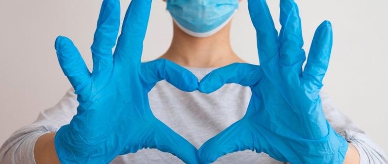 Enfermeras y enfermeros, médicos de tiempo completo
