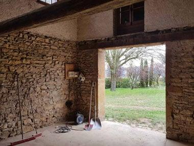 Rénovation d'une maison en pierre près de Villefranche-sur-Saône