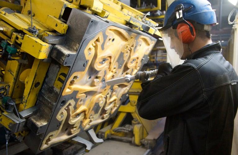 Como a limpeza criogênica facilita os processos de fundição de alumínio