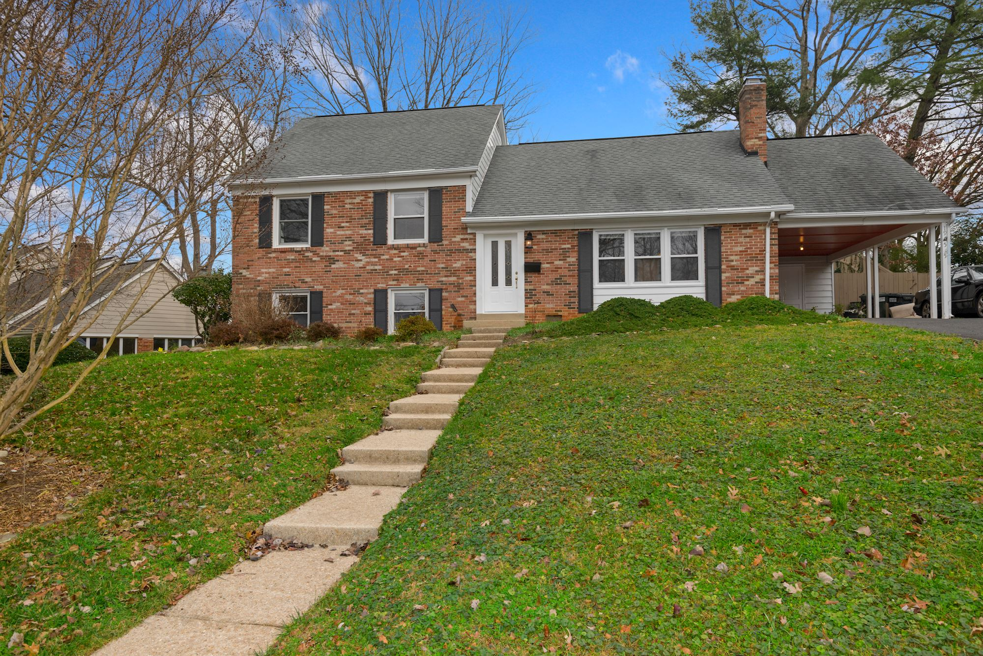 Ideal Foxhall Community Single Family Home Featuring Backyard Oasis