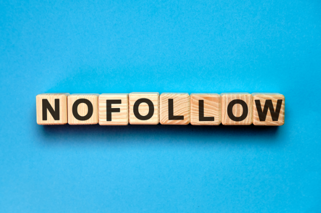 What is a Nofollow Link? [And What's a Dofollow Link?]