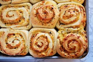 Cheesy Pesto Swirl Buns