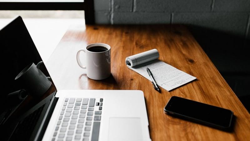 Come adattare la postazione di lavoro a casa per lo Smart Working indeterminato