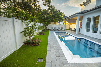 patio artifical turf pool pergola column 7