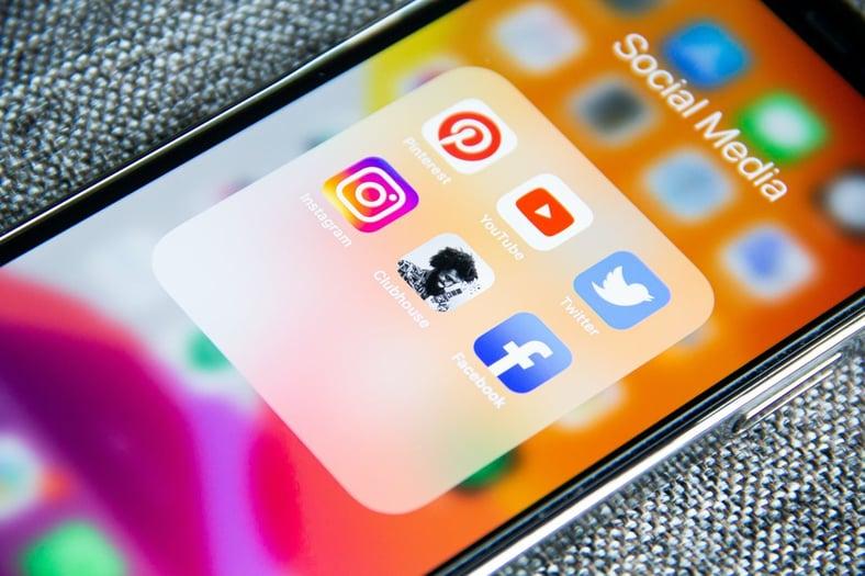 Paid vs. Free Social Media Marketing Methods