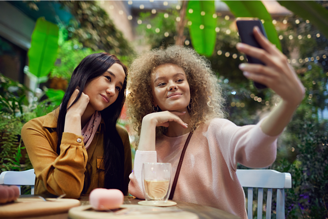 How to entice millennials to your restaurant - SPARK