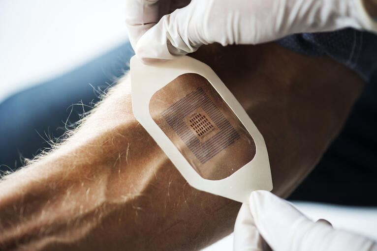 Biosensory Wearable IoMT Devices: Definitions, Applications, and Challenges