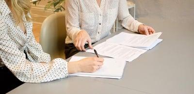 Kokosimme yhteen yleisimmät lainatermit helpottamaan neuvotteluja pankin kanssa.