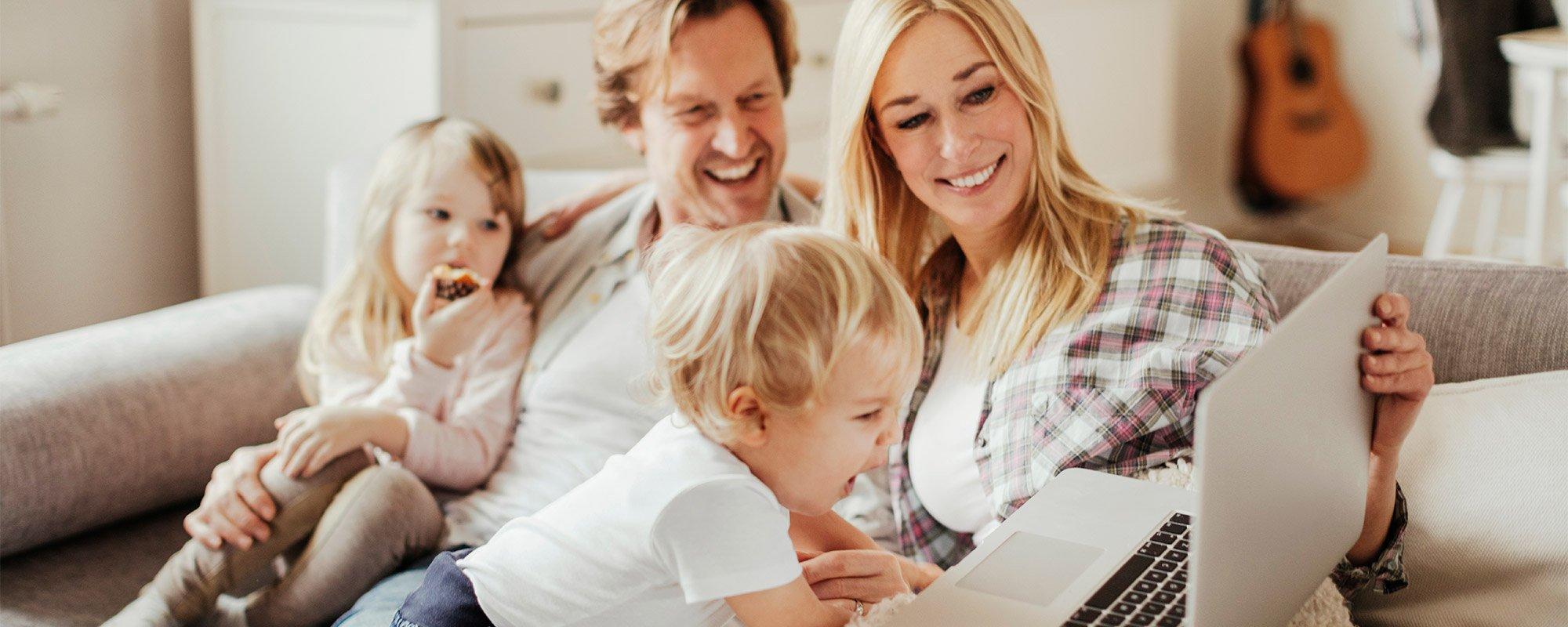 Viiden vaiheen digitaalinen asuntokauppa tekee asunnon ostamisesta ja myymisestä helppoa etänäkin.