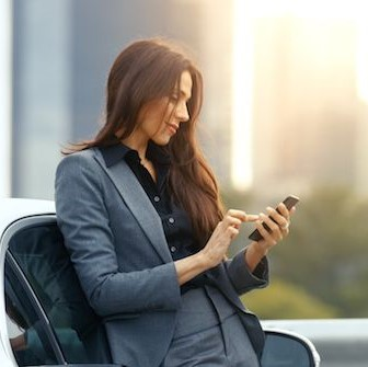 When is the best time to upgrade a business mobile fleet to maximise cost savings?