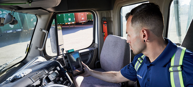 Safe Truck Driver Habits Reduce Workplace Injuries