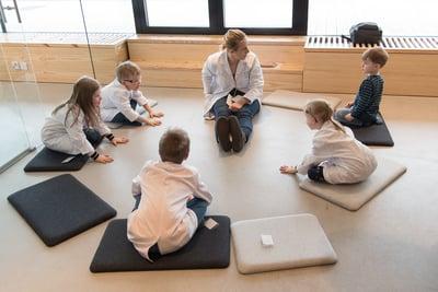 Salossa kasvaa uteliaita pieniä tutkijoita koulutettujen tiedekasvatusopettajien avulla
