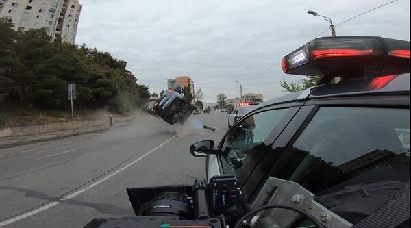 Police-car-chase-scene-from-F9
