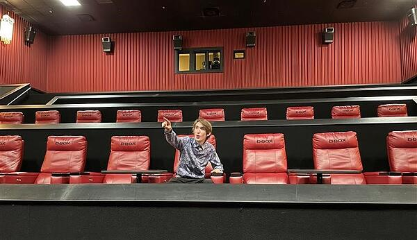 Tanya-Fenner-Seated-in-a-cinema