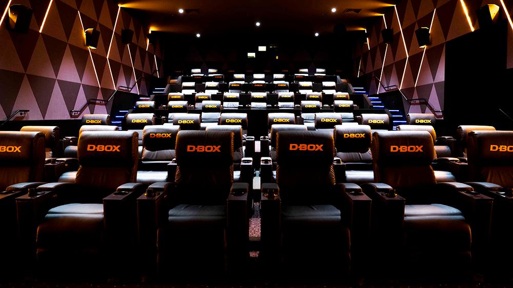 configuration-flexible-salle-cinema-d-box