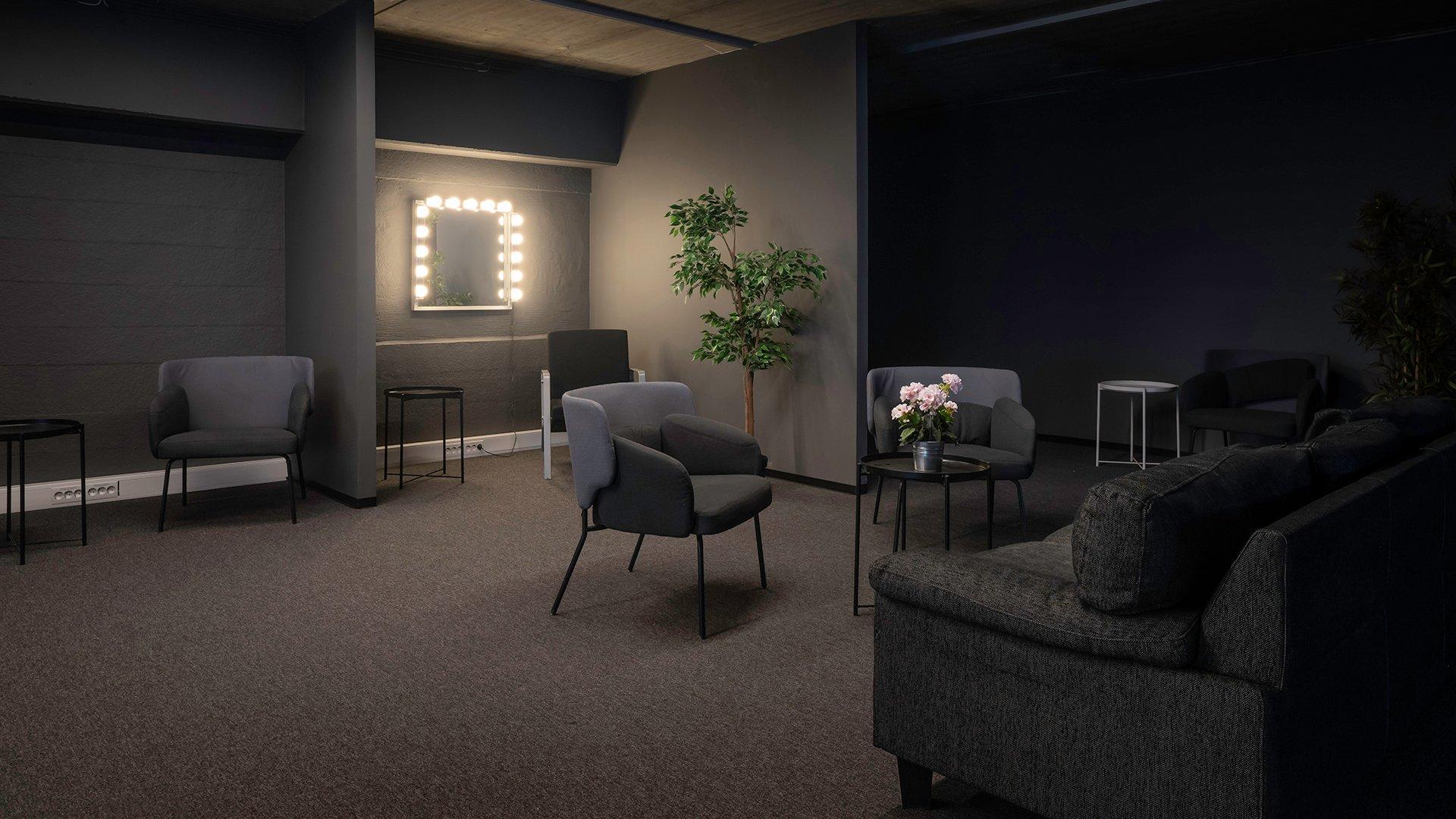 Lounge og sminkespeil i forbindelse med studioene