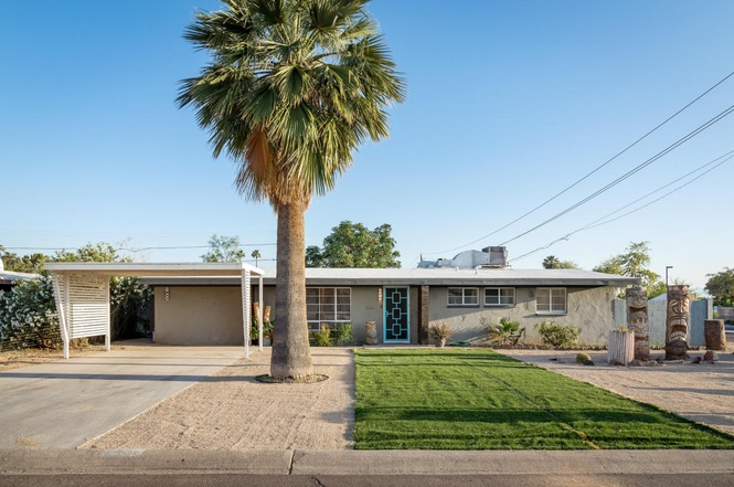 Learn about Phoenix home styles to add them to your house flipping business plan.