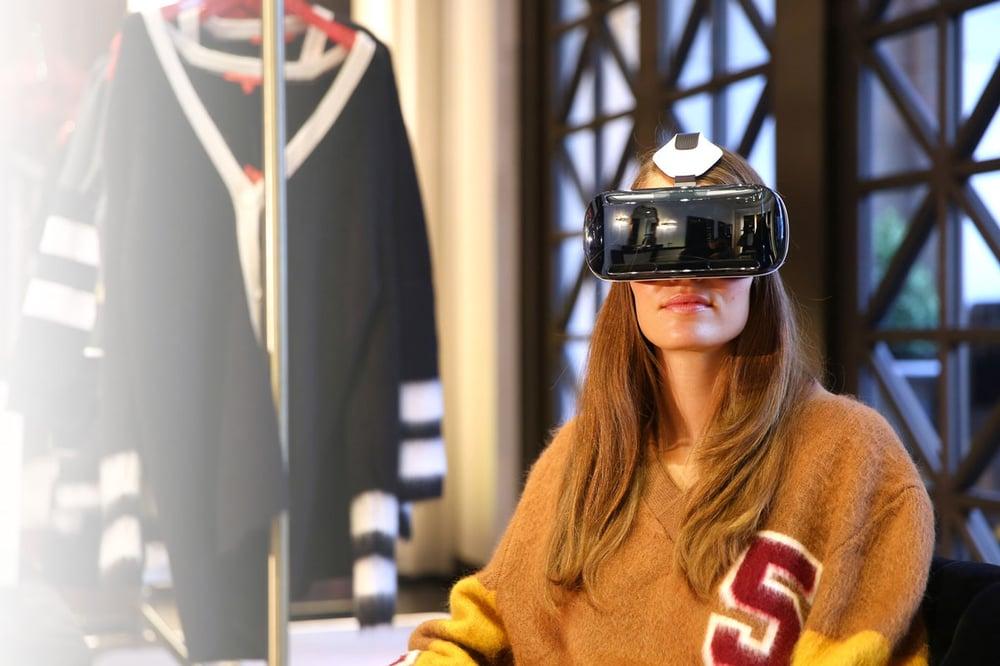 Come usare la realtà virtuale per coinvolgere il cliente in negozio