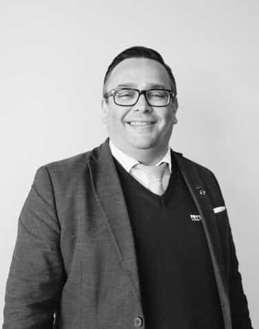 Terje Waagenes Salgsdirektør Frydenbø Nybil