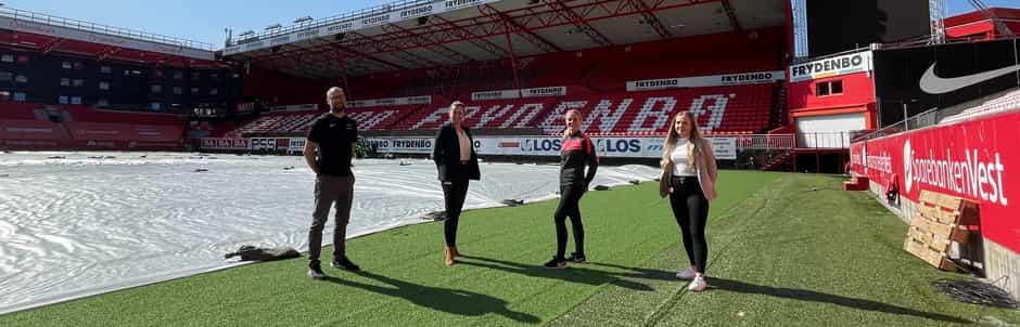 Frydenbø-tribunen Lars Petter Mongstad, Silje Ulla-Zahl, Therese Andvik Rygg, Susann Solheim Gjerløw