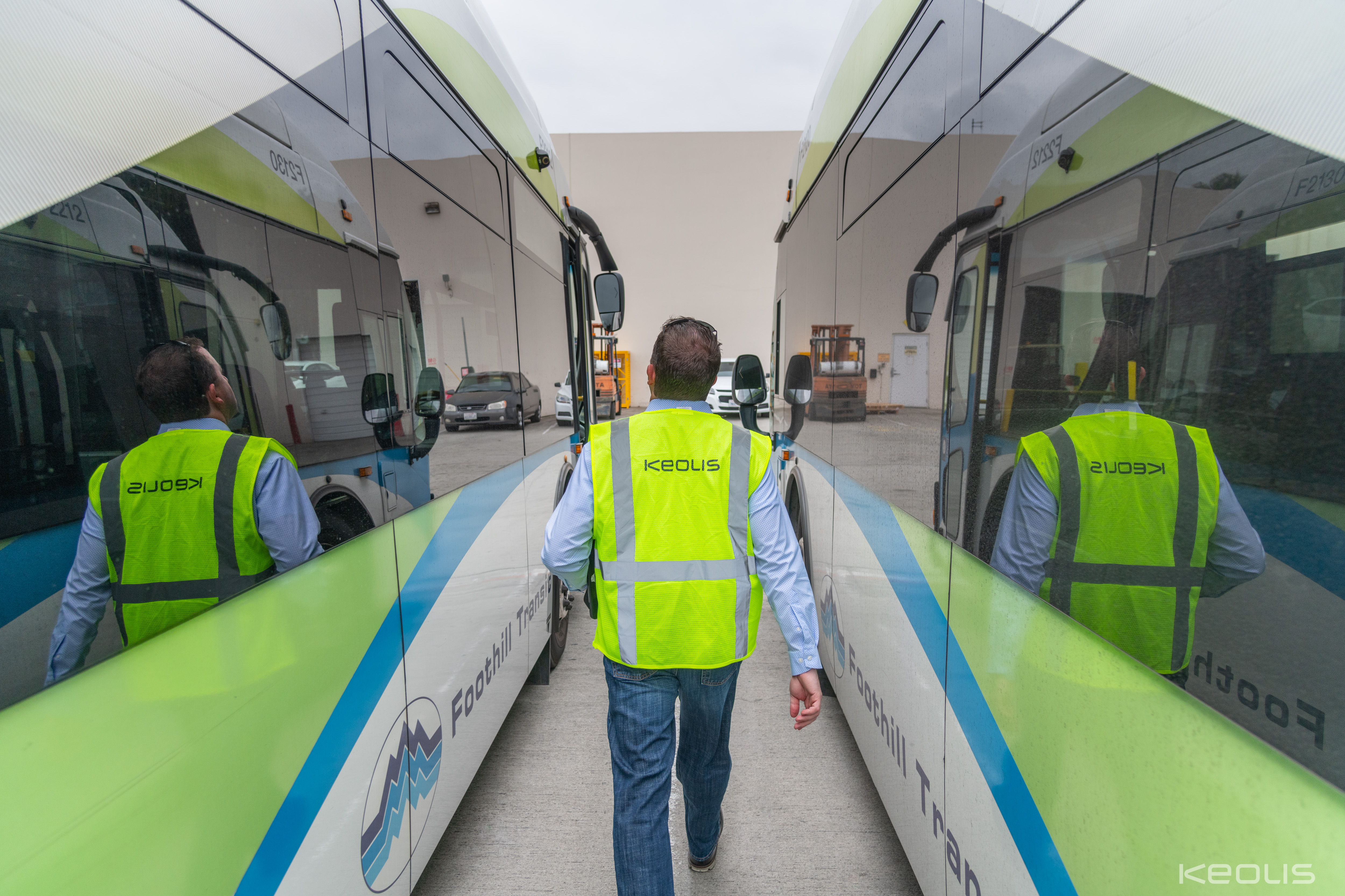 Foothill_Road Supervisor_WIth Buses