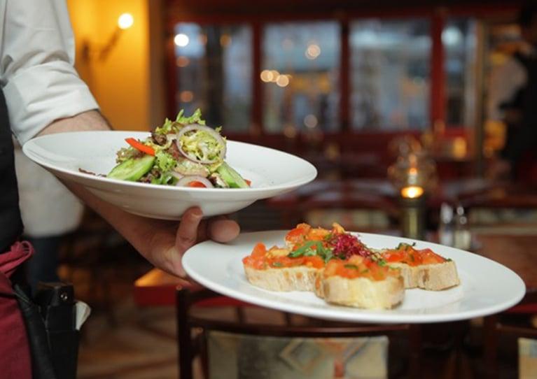 7 Easy Ways to Increase Restaurant Sales