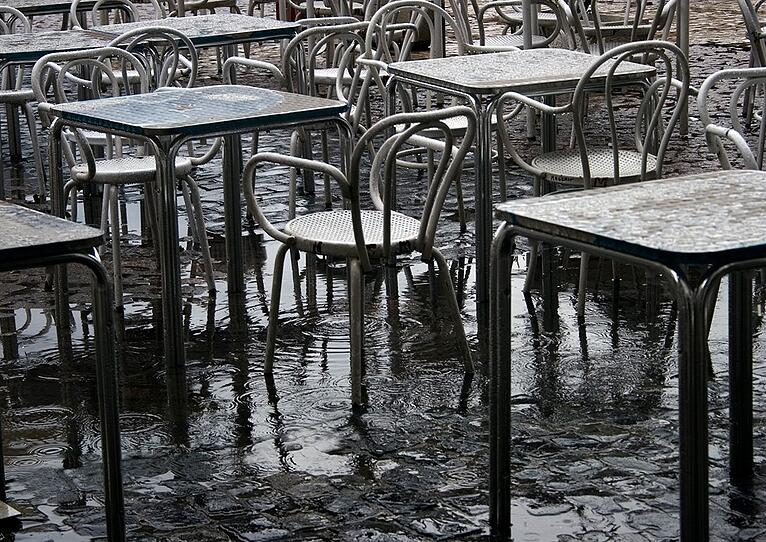 Weathering the Storm: How Restaurants Respond in the Wake of Hurricanes
