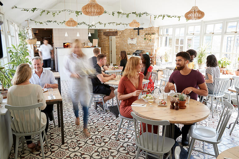 25 Emerging Restaurant Stats to Know in 2020
