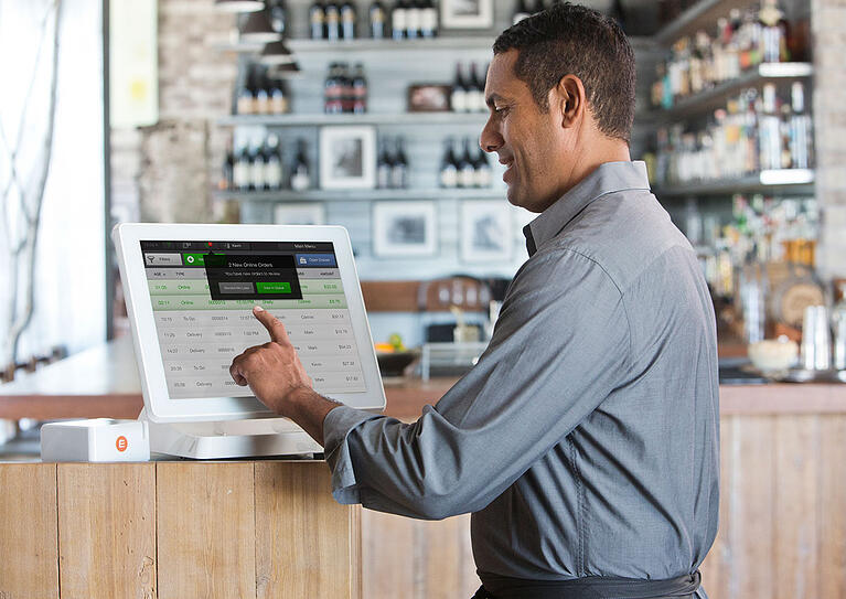 Stuck on Legacy (POS): Benefits of Switching to a Cloud-Based POS