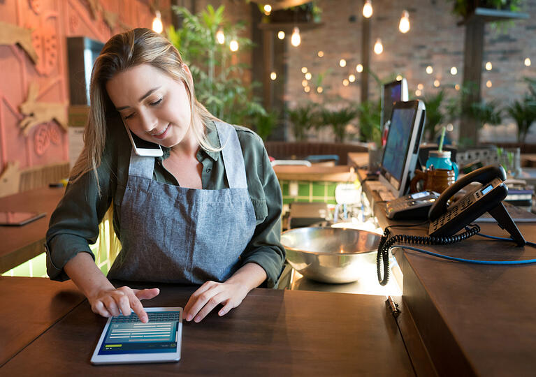 How to Handle In-store Dining While Still Fulfilling Online Orders