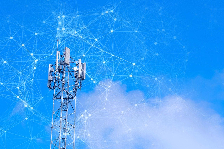Una torre 5G es activada y distribuye el sistema de internet móvil más rápido hasta ahora