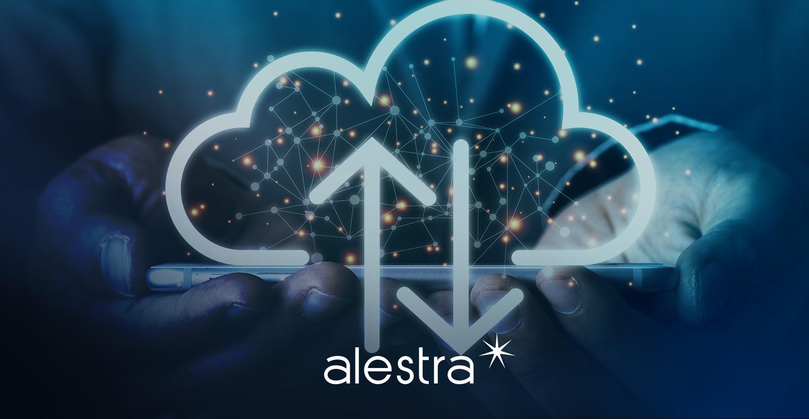 Usuario utilizando el servicio de la nube en Alestra desde su teléfono