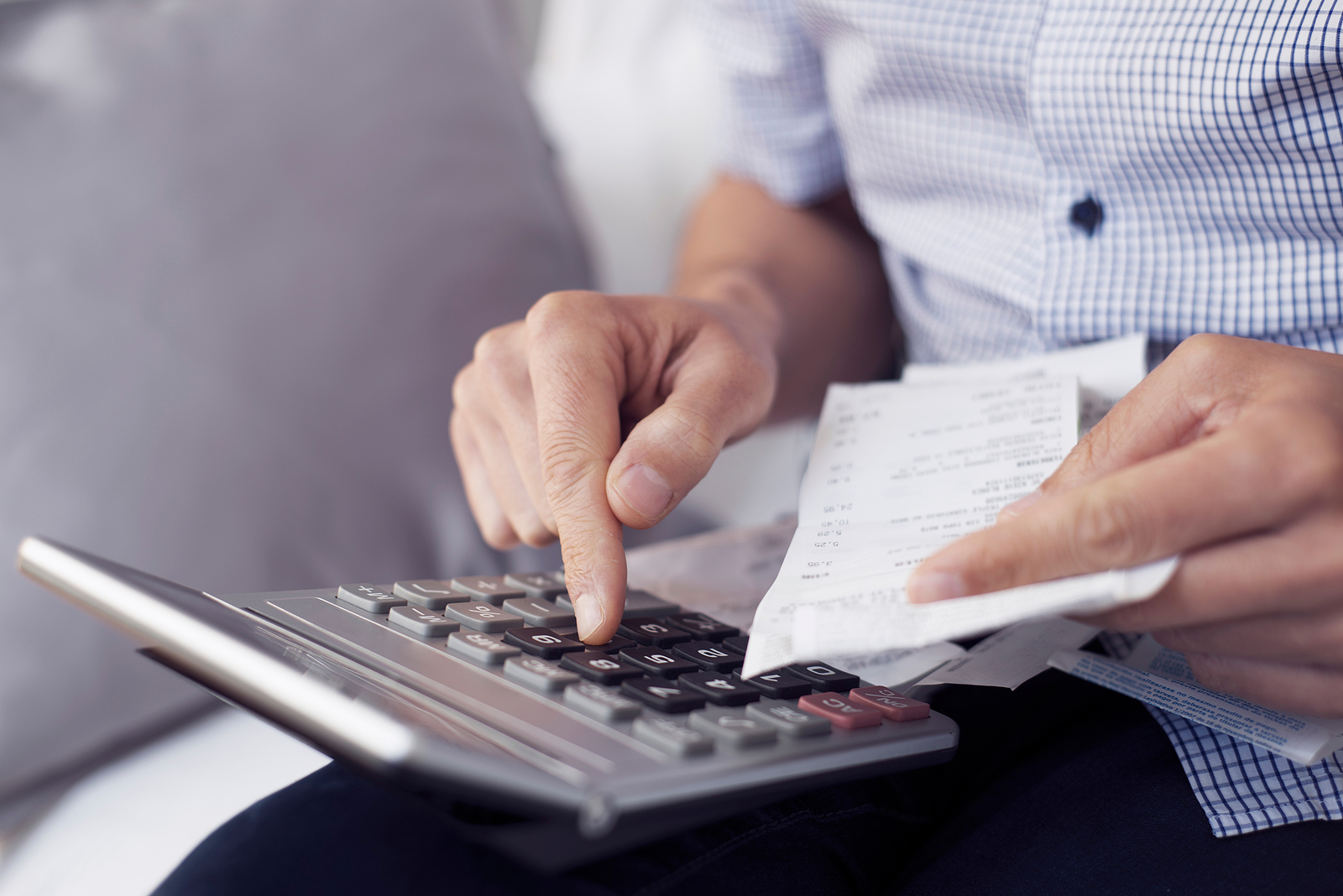 Manufacturer calculating the cost of hiring a marketing agency