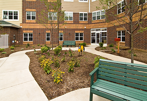 Highview Hills Memory_Care_Garden