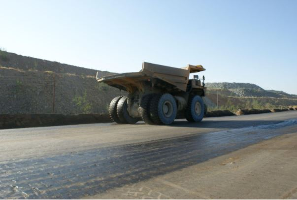 One of the greatest contributors to water consumption on mine sites comes from sprayinguntreated water on haul roads for dust control purposes.