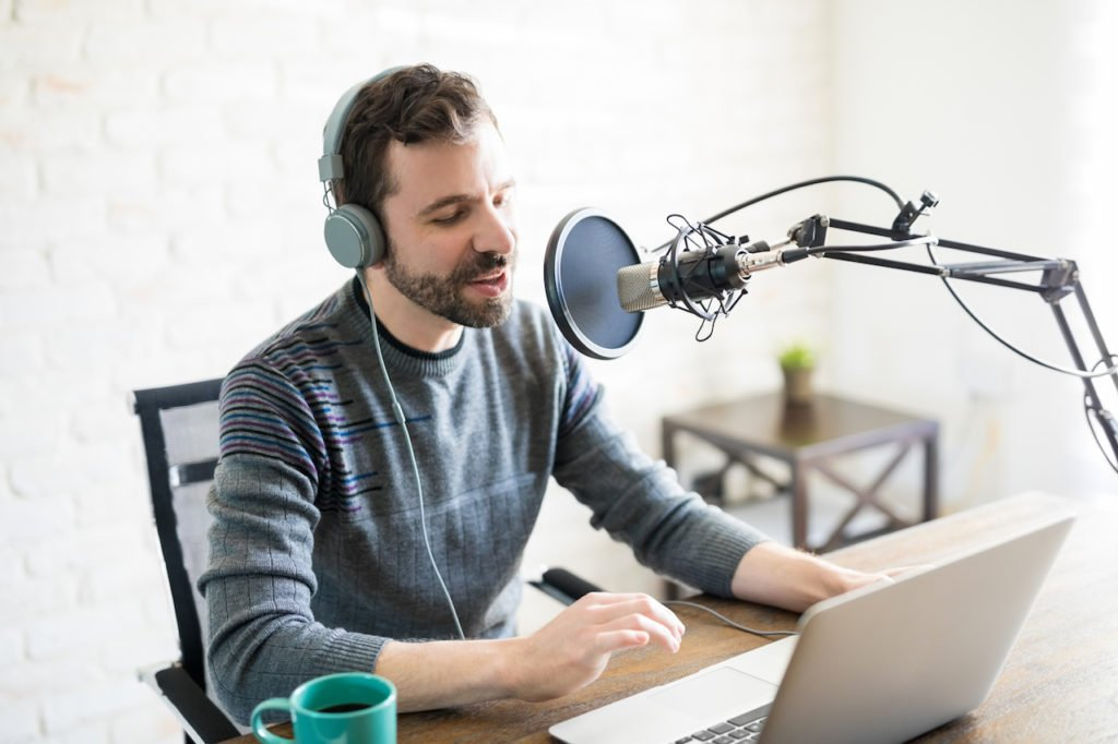 Top 10 Real Estate Podcasts for Pros, Part-timers, Prospective Investors Alike | LendingHome Blog